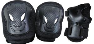 Set di protezioni SENIOR nero con Ginocchiere, Gomitiere e Parapolsi - Peso utilizzatore oltre 50 kg